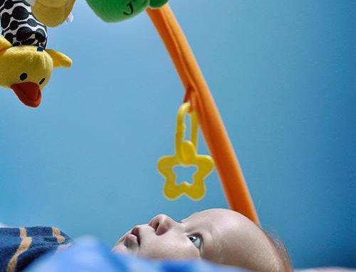 Roliga leksaker till bebisar
